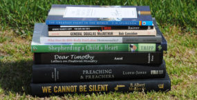 My Summer Reading List (And Tips on Reading More)